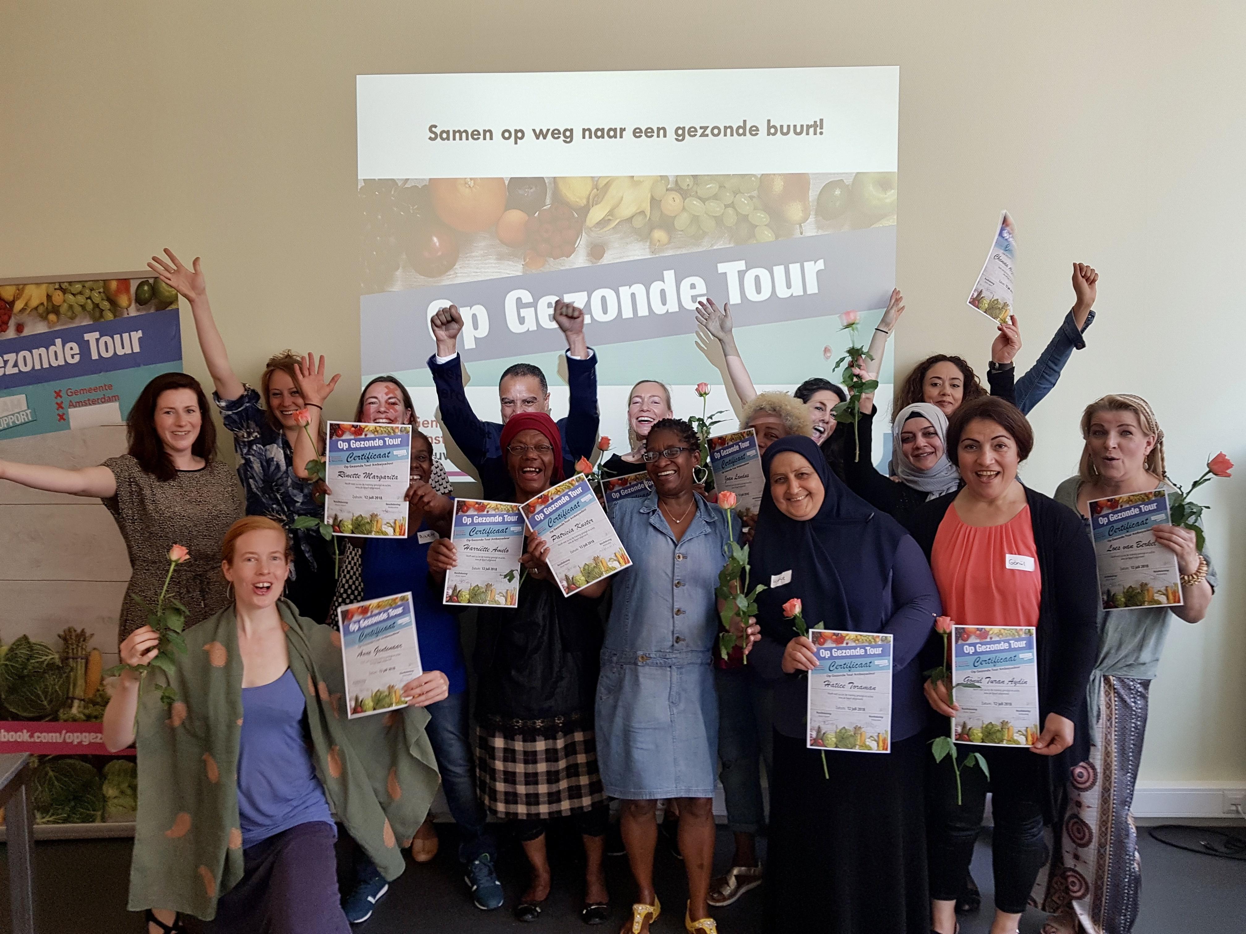 Drie nieuwe groepen geslaagde Op Gezonde Tour ambassadeurs in Amsterdam Nieuw West