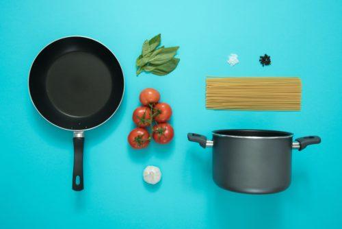 Leg alles klaar wat je nodig hebt, van pannen tot ingrediënten!